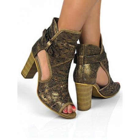 Botín peep toe en color bronce