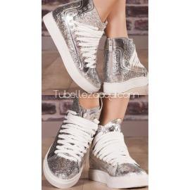 Zapatillas con cuña detalles en lentejuelas plata